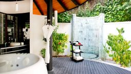 9 Outdoor Shower Floor Ideas With Pictures