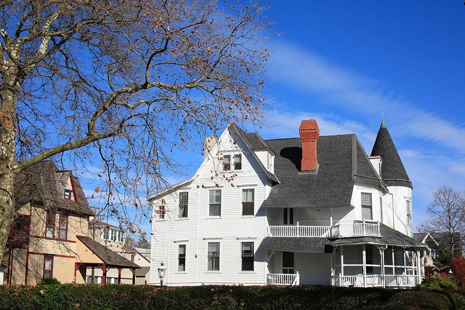 Victorian Shingle style houses