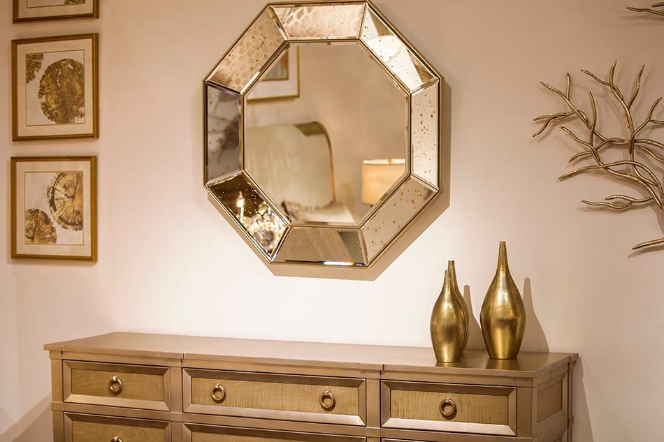 Maximize the space using hexagonal mirror