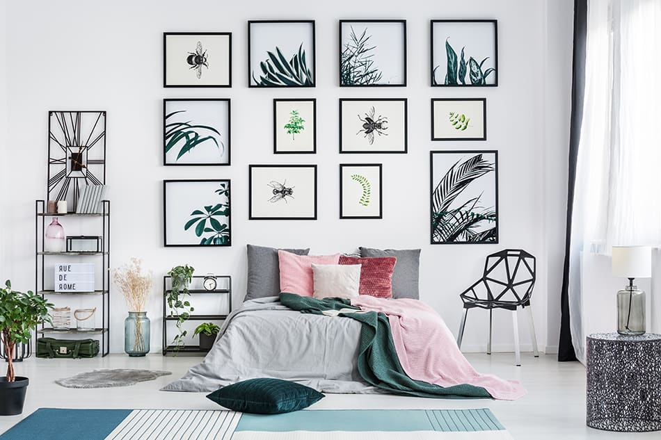 Opt for single-themed display of art