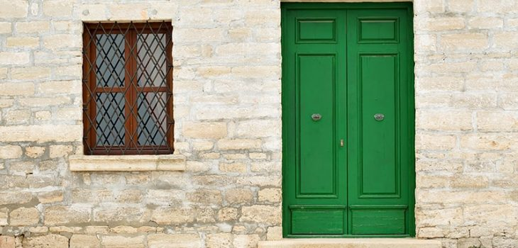 17 Green Front Door Ideas to Bring Harmony to Your Home with Pictures