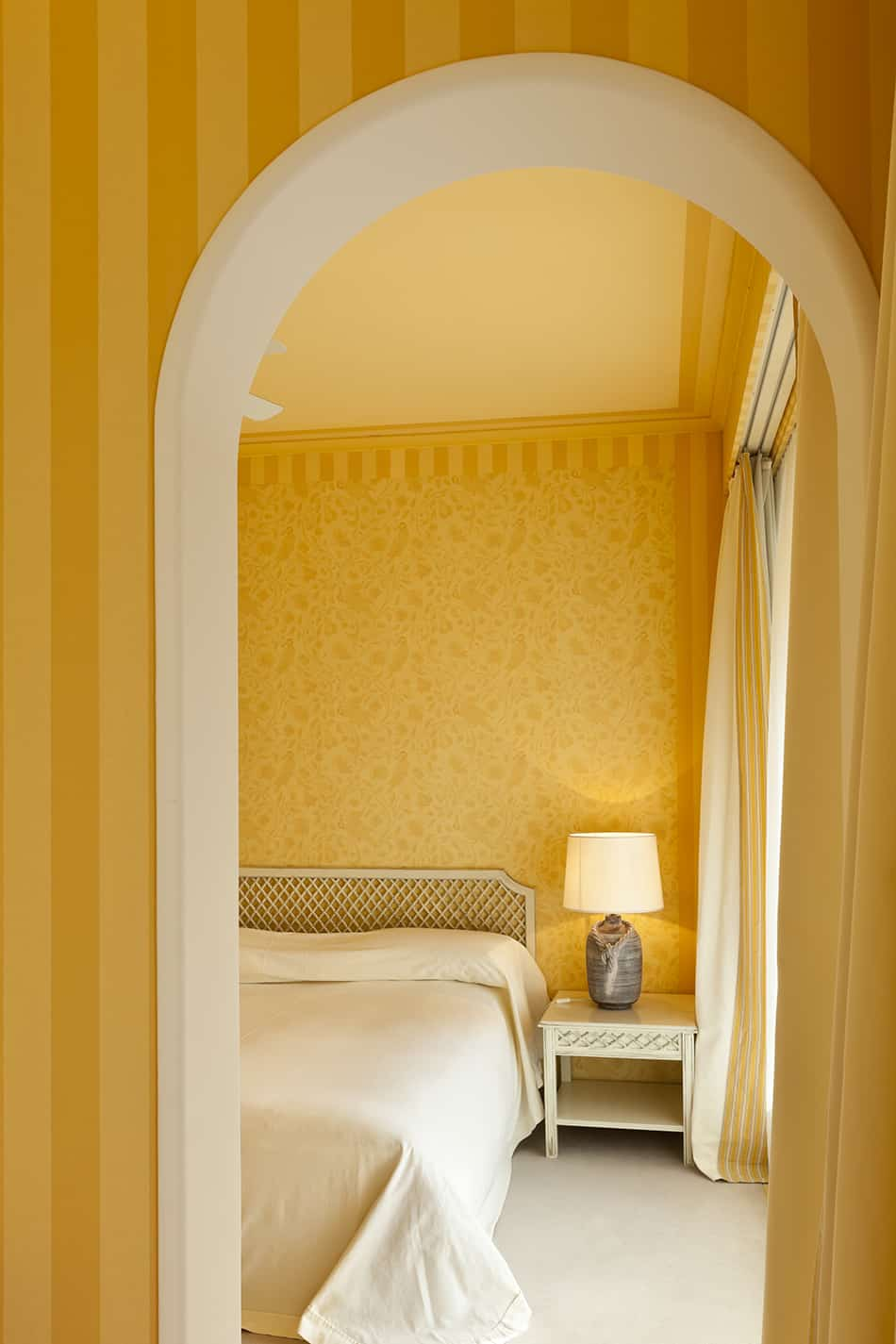 Try Bold Yellow Wallpaper