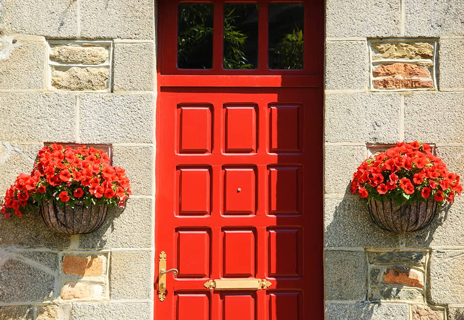 A Multi-paneled Red Door for a Smart Look