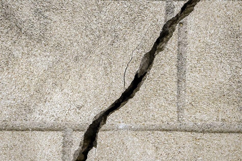 Diagonal Cracks in Concrete