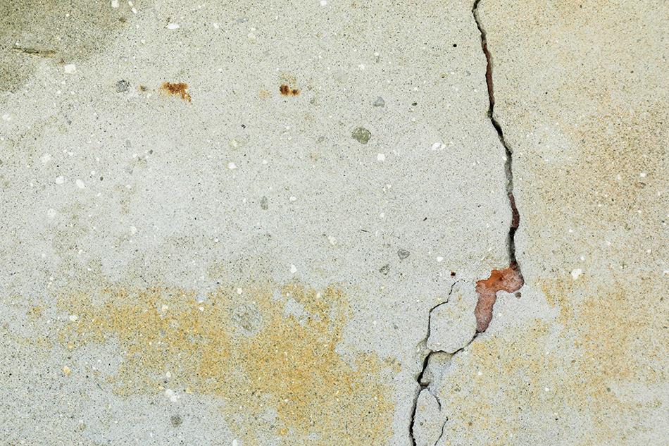 Vertical Cracks