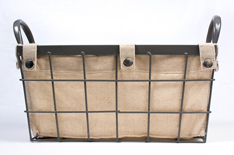 Roll blankets in Wire baskets