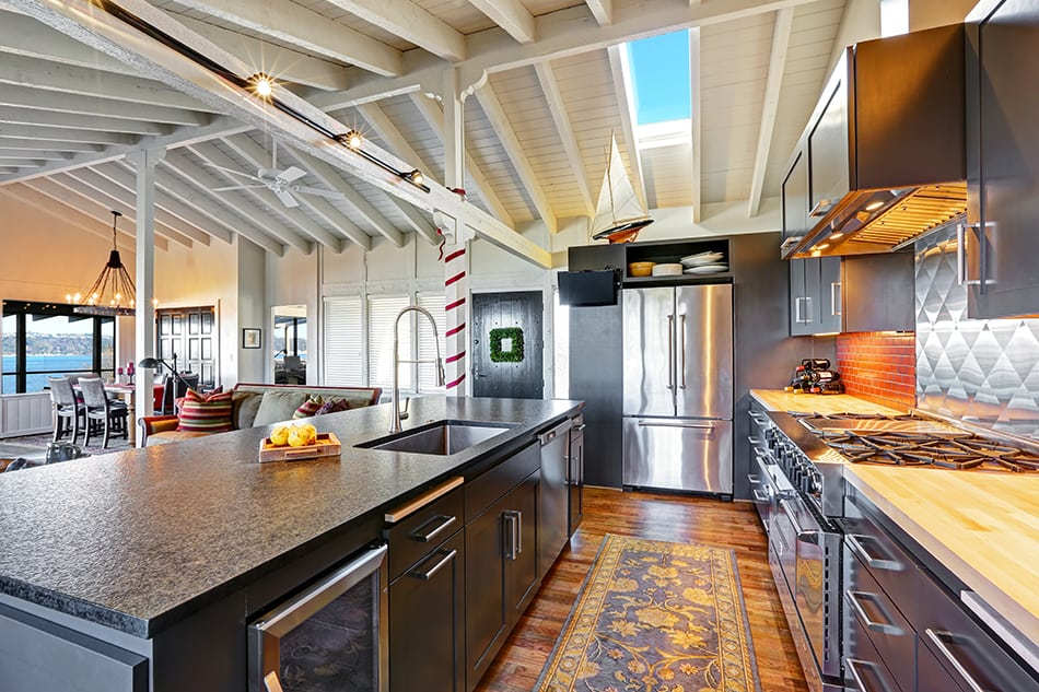 Vaulted Ceiling in a Modern Kitchen