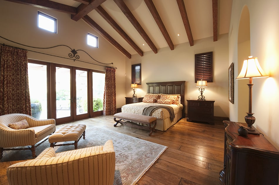 Brown and White Bedroom for a Romantic Atmosphere