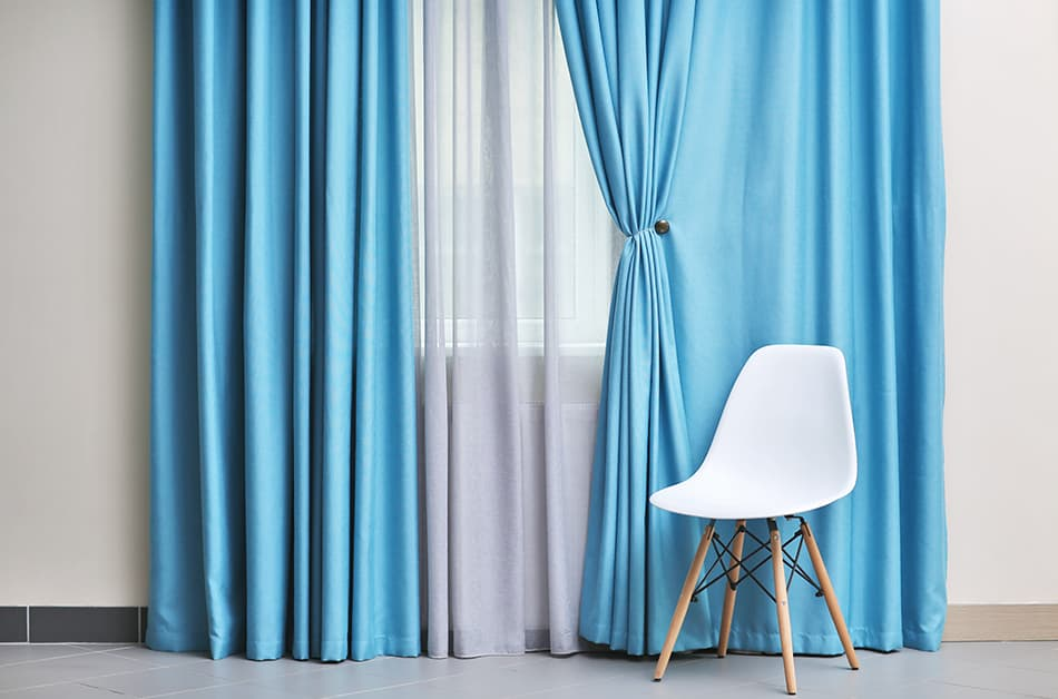 What Color Curtains Are Best For Grey Walls? (13 Color Ideas Explored) -  Homenish