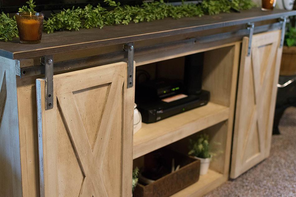 Barn-like Kitchen Cabinet
