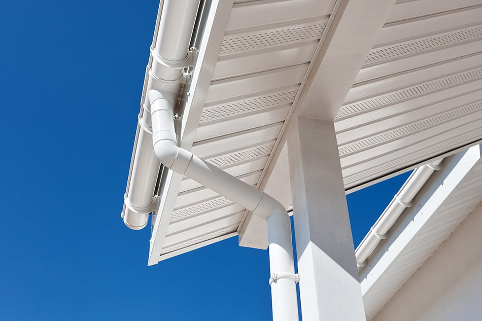 Aluminum Vs. Vinyl Gutters – Which Material is Better?