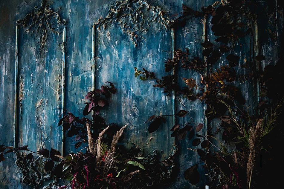Create an Eerie Atmosphere with Wall Decor