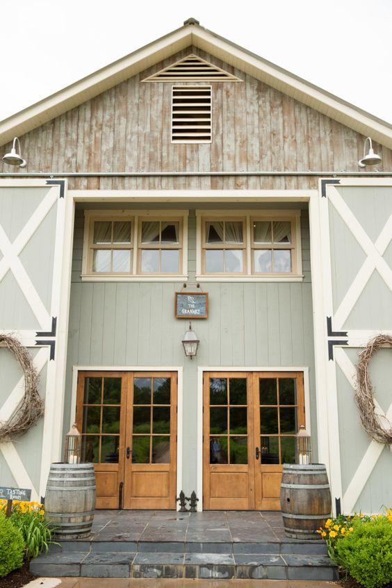 A Three-Story Farmhouse-Style Barndo