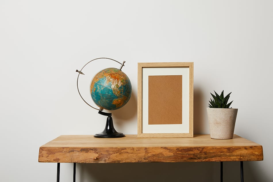 Use the globe as a statement