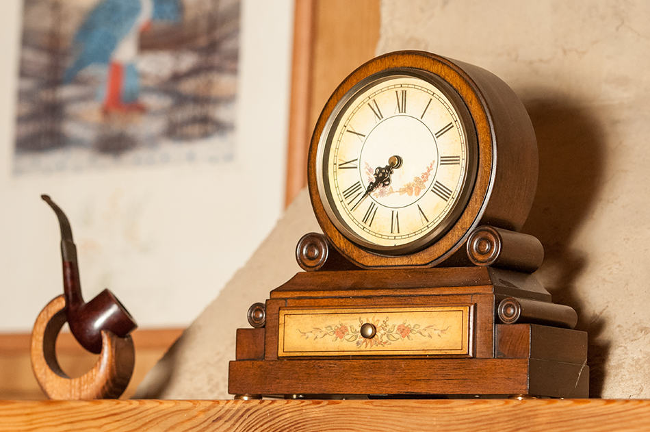 Mantel Tabletop Clock