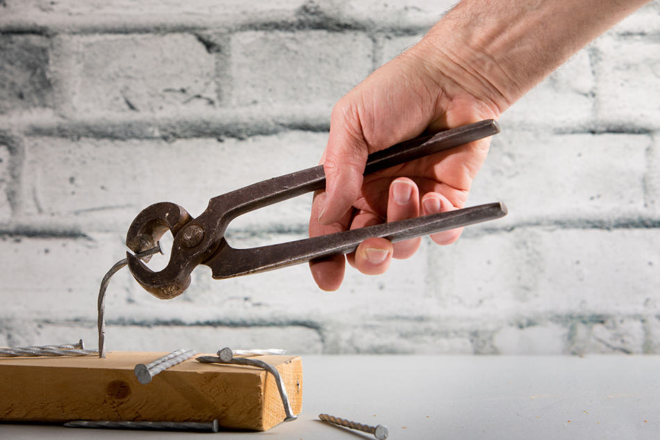 Nail Puller Pliers