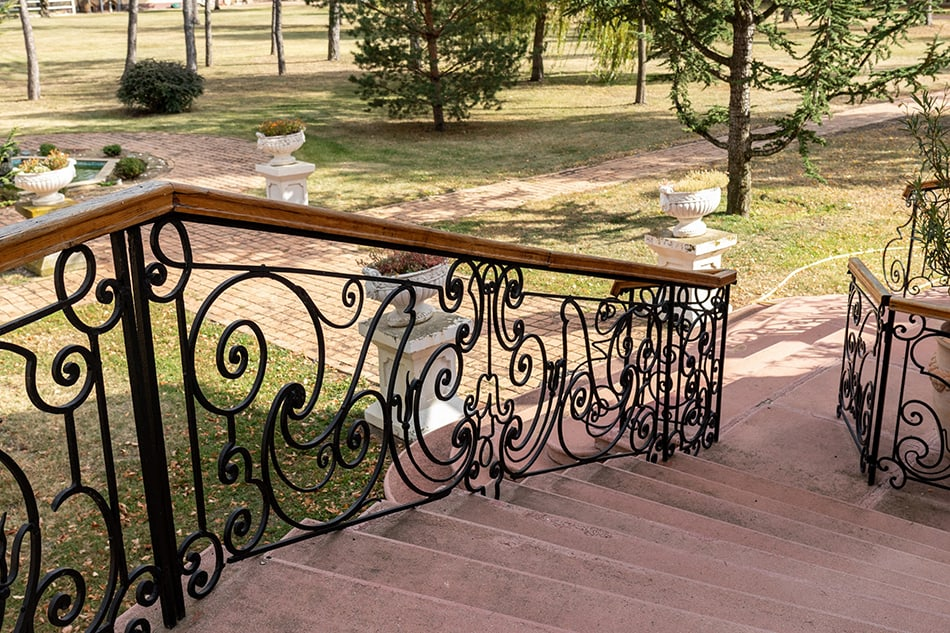30 Porch Railing Ideas You Can Do This Weekend (with Pictures)