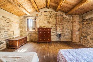Rustic Style Interior Decor