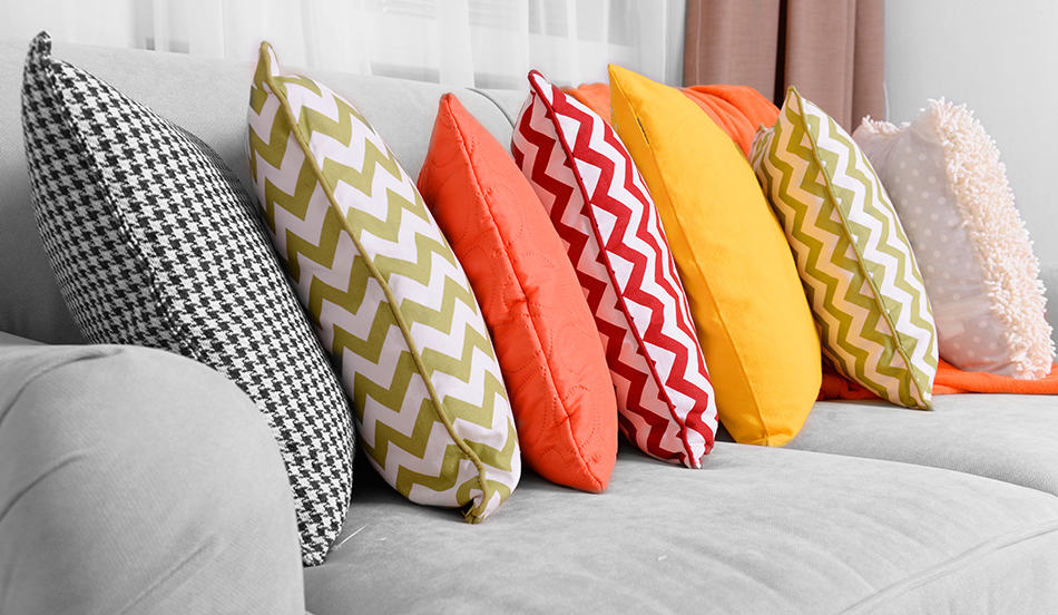 12 Different Types of Pillows with Descriptions and Pros/Cons