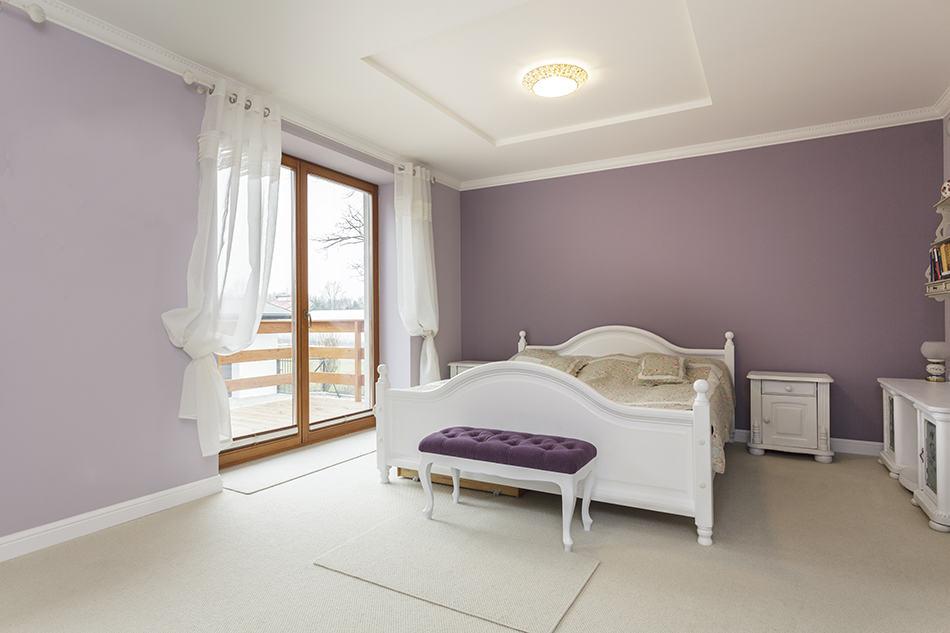 8 Elegant Purple and White Bedroom Ideas