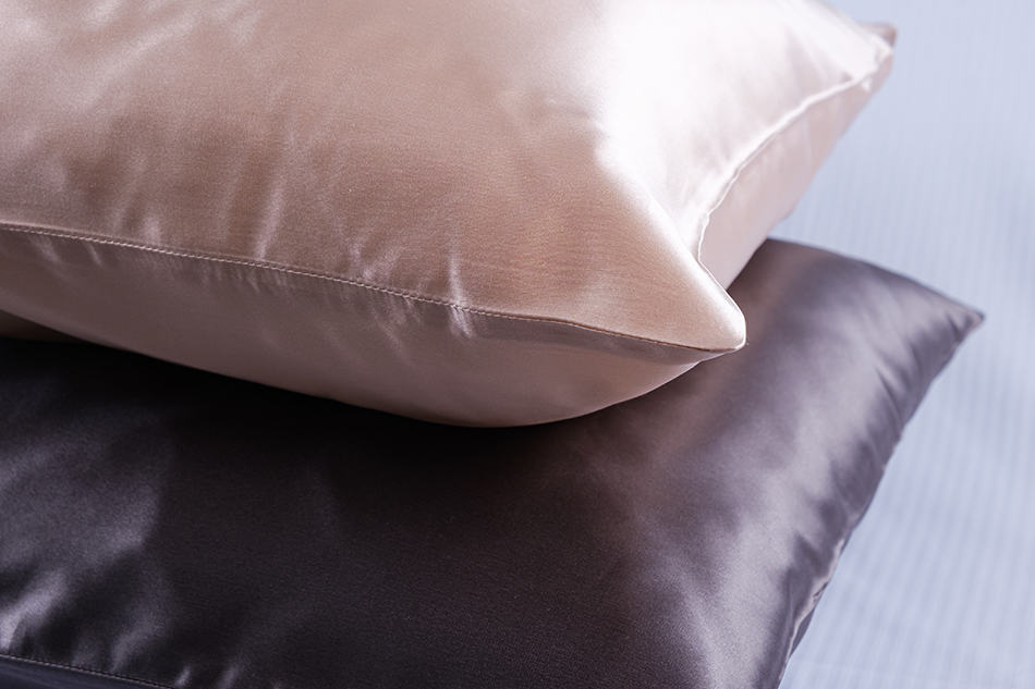 8 Different Types of Pillowcases (Shapes, and Materials)