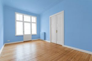 Should You Paint the Ceiling the Same Color as the Walls?