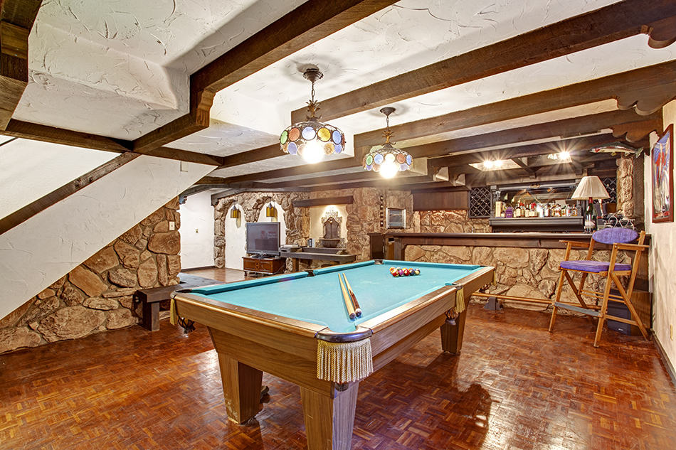 Types of Pool Tables