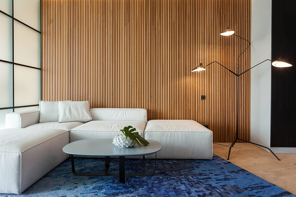 What Colors Go with Wood Paneling
